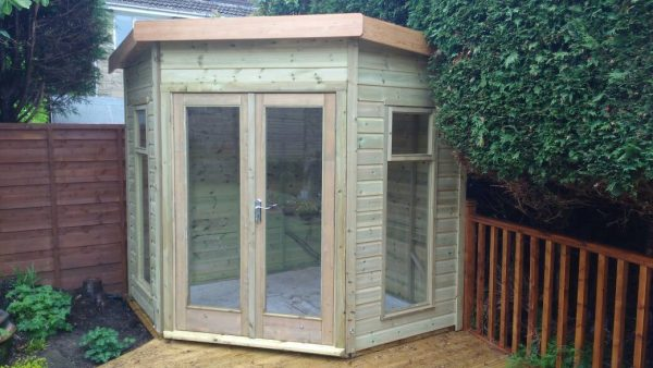 7ft x 7ft Buckingham corner plus top opening side vents